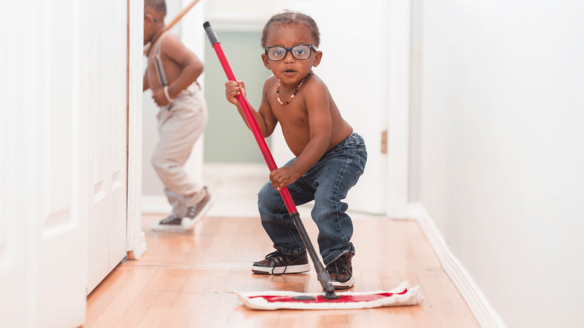 niños tareas del hogar